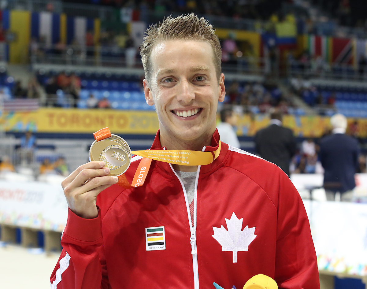 Jean-Michel Lavalliere avec son medaille d'or/ with his gold medal